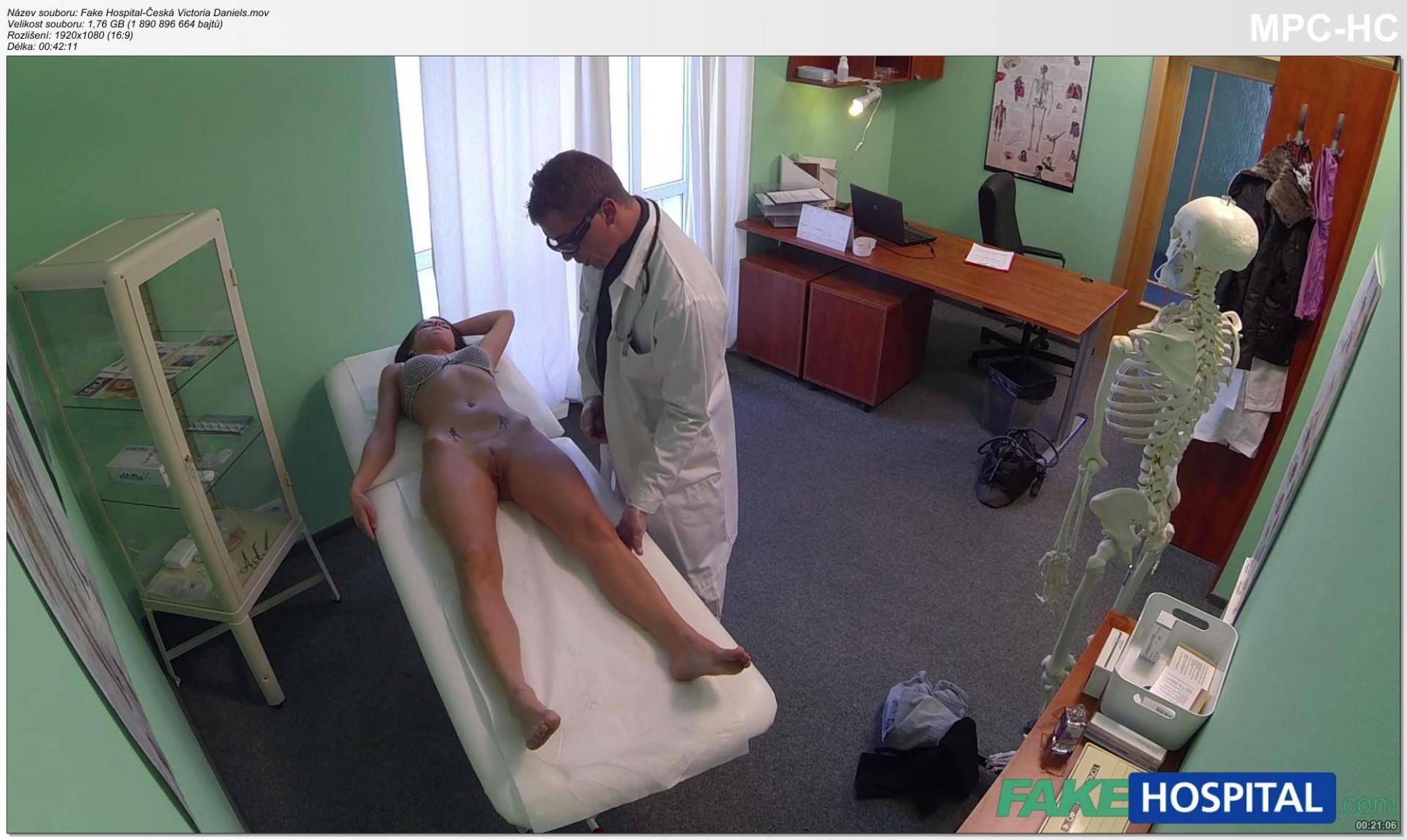 Смотреть на осмотре в больнице порно 10 фотография